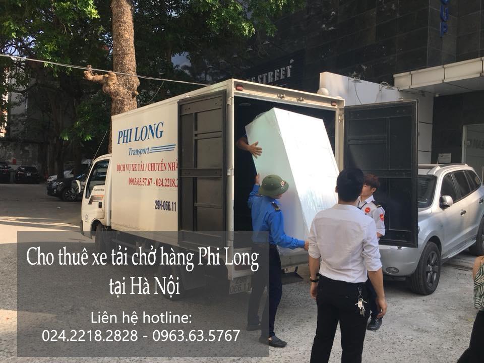 Xe tải chở hàng thuê tại phố Triệu Việt Vương
