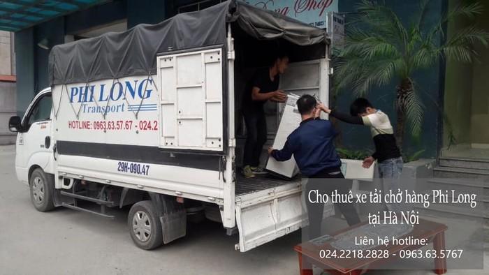 Xe tải chuyển nhà tại phố Nguyễn Lam